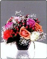 Mix Roses in short vases 425000